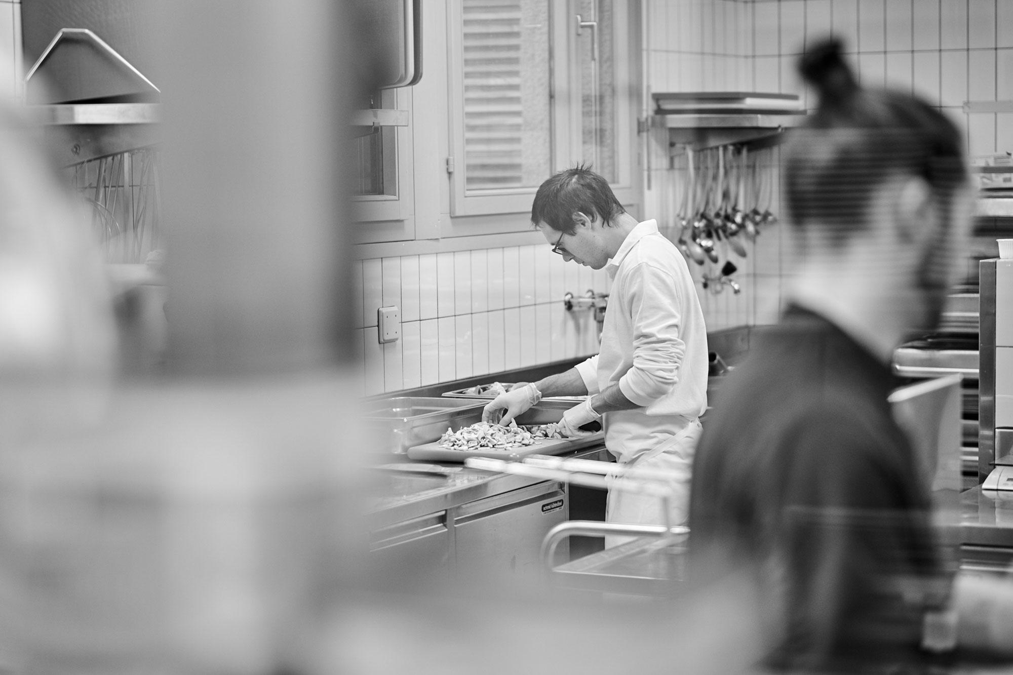 Arbeiten in der Bildungsstätte Küche
